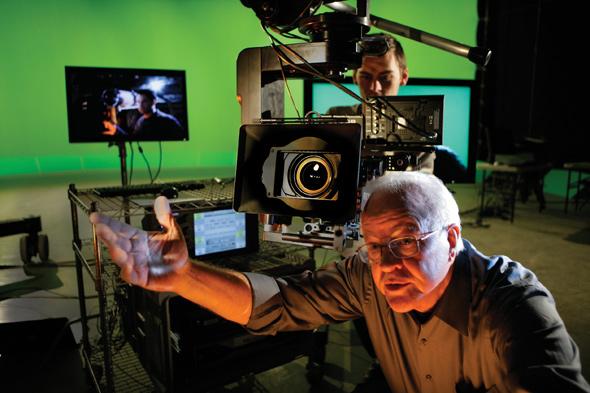 Дуглас Трамбалл (Doug Trumbull) разработал и начал продвигать съемку со скоростью 60 к/с 30 лет назад
