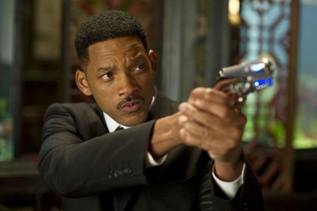 Томми Ли Джонс (Tommy Lee Jones) в 3D-фильме «Люди в черном 3» («Men in Black III»)