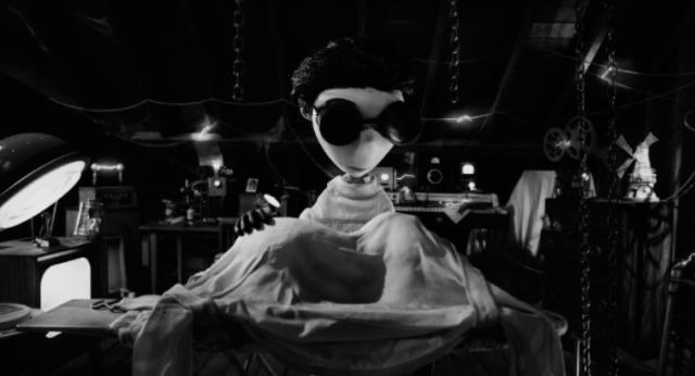 Кадры из 3D-фильма «Франкенвини» (Frankenweenie) Тима Бёртона (Tim Burton)