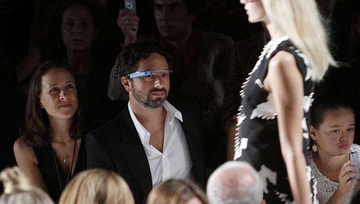 Показ прототипа очков дополнительной реальности Project Glass от Google