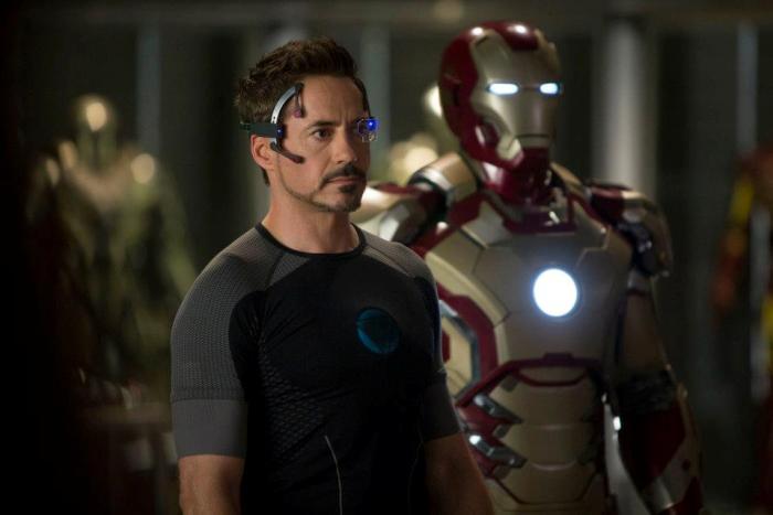 Роберт Дауни-младший (Robert Downey Jr.) в 3D-фильме «Железный человек 3» (Iron Man 3)