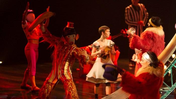«Цирк Солнца покоряет мир» (Cirque du Soleil: Worlds Away): фото к 3D-ленте