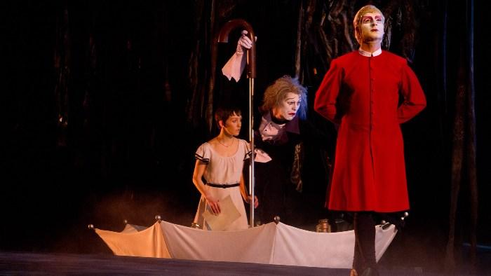 «Цирк Солнца покоряет мир» (Cirque du Soleil: Worlds Away): кадры к 3D-ленте
