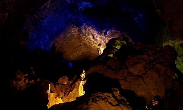 YouTube стерео 3D: красивейшие пещеры Куэва-де-лос-Вердес (Cueva de Los Verdes)