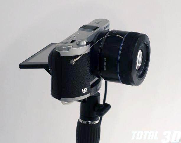 живые фото новой 3D-камеры Samsung NX300