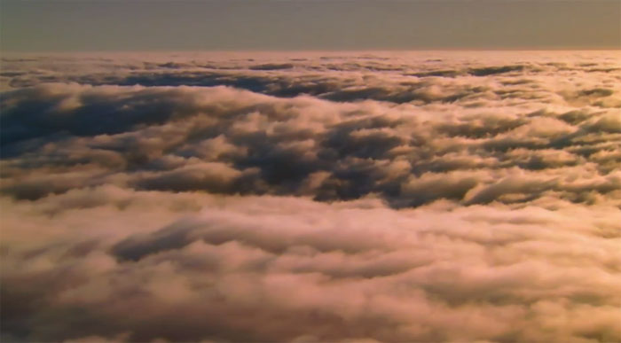 Стереоролик Jet Stream из коллекции Moving Art: облака на YouTube 3D