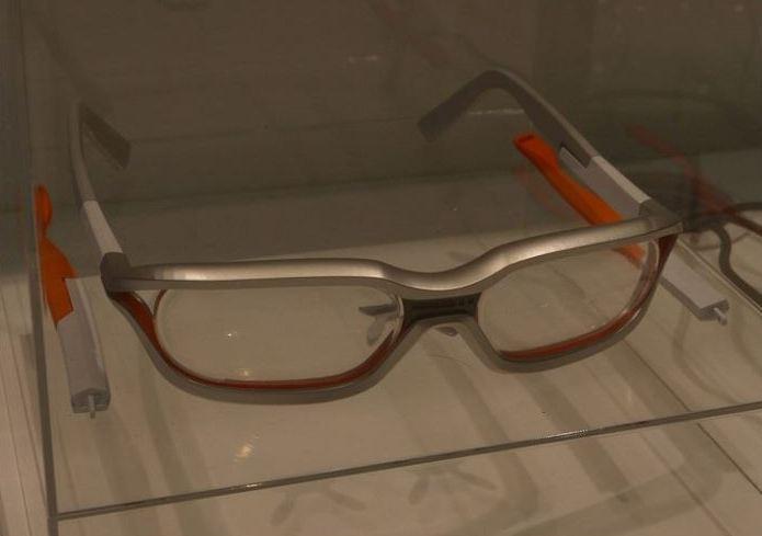 Очки-дисплеи дополненной реальности Laser Head Set от Fujitsu и QD Laser и Viking от BrilliantService Co на Mobile World Congress