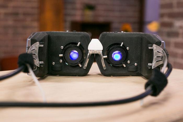 Прототип очков от Avegant: виртуальная реальность на сетчатке глаза