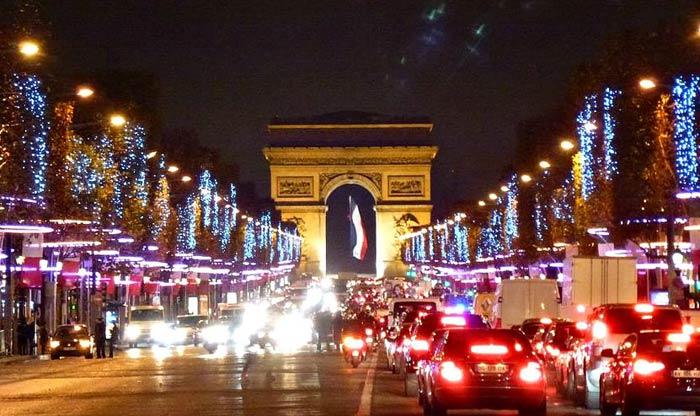 Новогодний Париж на YouTube 3D