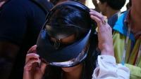 CES 2014: живые фото надеваемого 3D-дисплея Sony HMZ-T3W