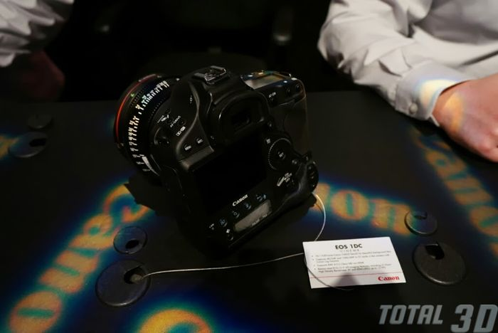CES 2014: профессиональная видеотехника Canon