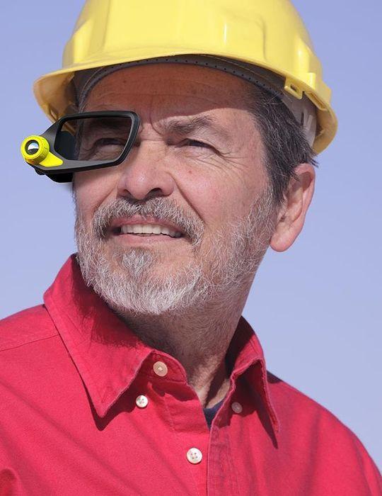CES 2014: живые фото очков виртуальной реальности Vuzix M2000AR