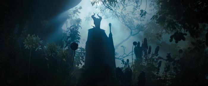 YouTube стерео 3D-трейлер к трёхмерной ленте «Малефисента» (Maleficent)