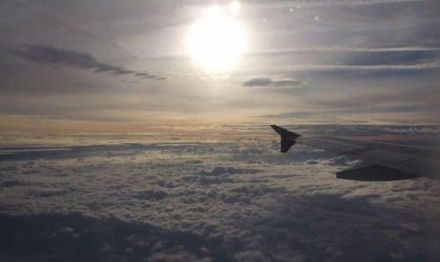 Под крылом самолёта на YouTube 3D