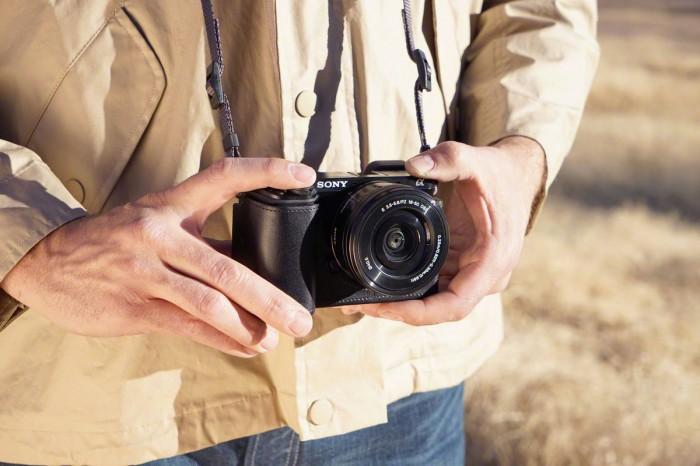 Камеры A77 Mark II и A6000: цены и доступность новинок от Sony