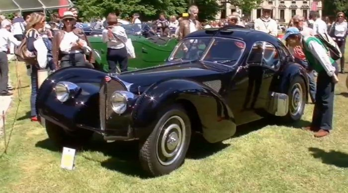 Выставка раритетных авто Concourse de Elegance на YouTube 3D