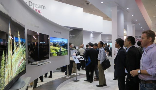 Образцы новой OLED-продукции LG Display